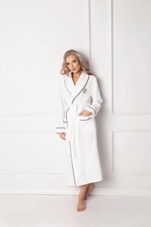 damsky-zupan-aruelle-q-bathrobe.jpg