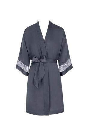 damsky-zupan-chemises-ss19-robe-03-triumph.jpg